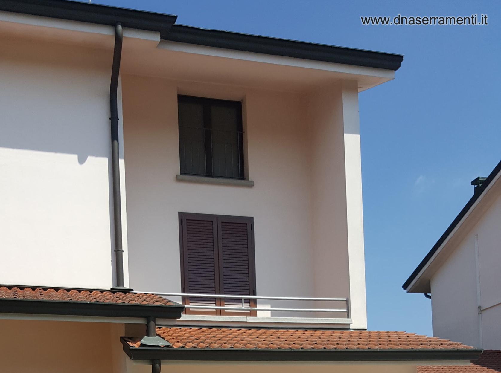 Dna serramenti finestre serramenti porte pellicole per for Finestre pvc bianche